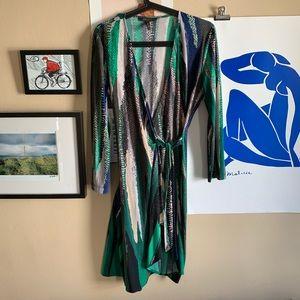 BCBGMAXAZRIA Adele abstract print wrap dress